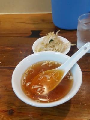 亀戸餃子 大島店のチャーハンのスープ